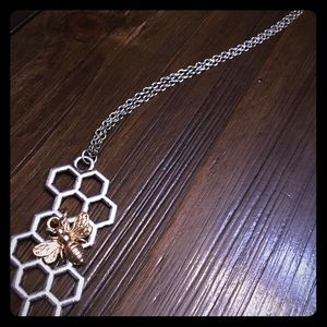 Reveal necklace silver honeycomb with gold bee NEW